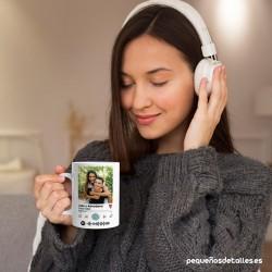 Mujer con Taza Spotify